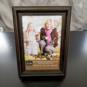 🌺 NWT distressed effect wooden frame